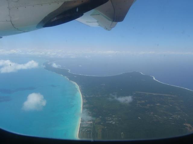 OUVEA l'ile la plus proche du paradis P9140010