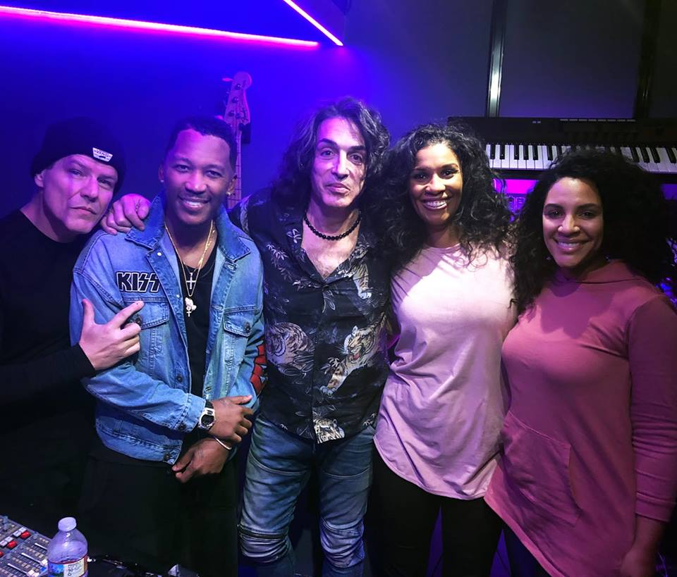 Paul Stanley News - Page 18 49680310