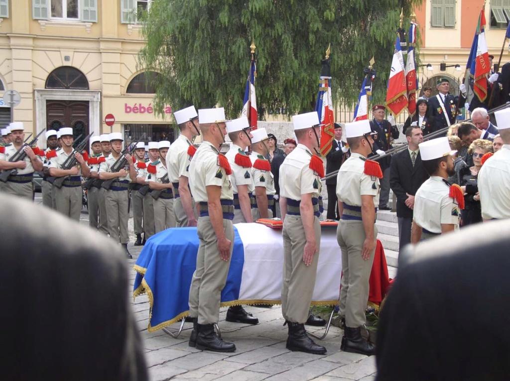 Photo de funérailled'un officier légionnaire,mais sonnom? Hommag10