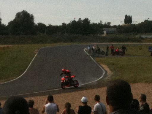 La grosse fête de la moto au circuit Carole 10 et 11 juillet - Page 2 Dift311