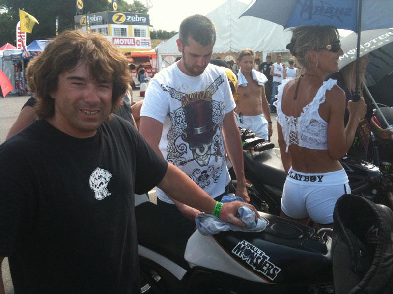 La grosse fête de la moto au circuit Carole 10 et 11 juillet - Page 2 Norman10