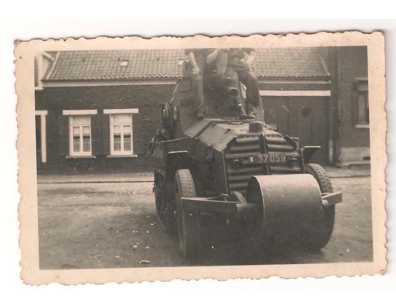 AMR  P 16 ( automitrailleuse de reconnaissance ) Groupe10