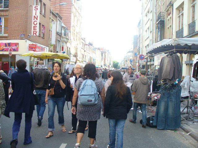 CARNETS DE VOYAGE Braderie de Lille 1er et 2 sept 2012 P1120116