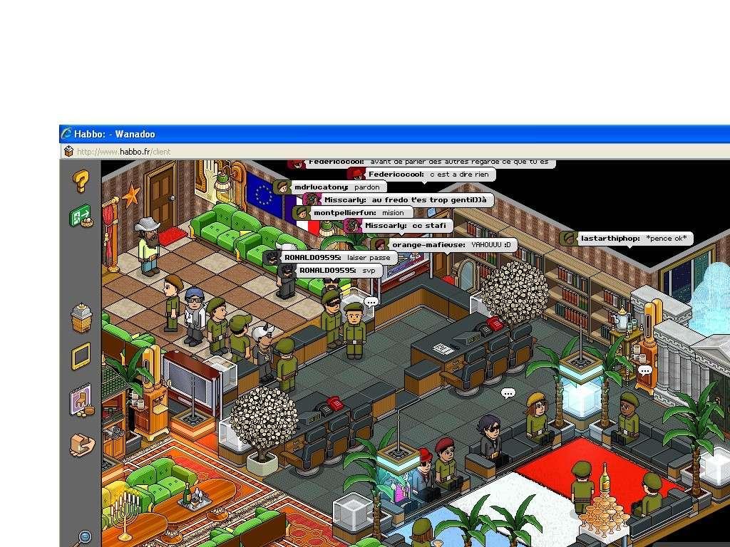 Vieux screen de ma cave :o Habbo_10