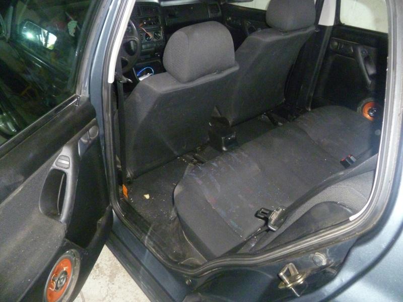 Golf GTTDI 5 portes/Keskin KT1 Posée P1030944