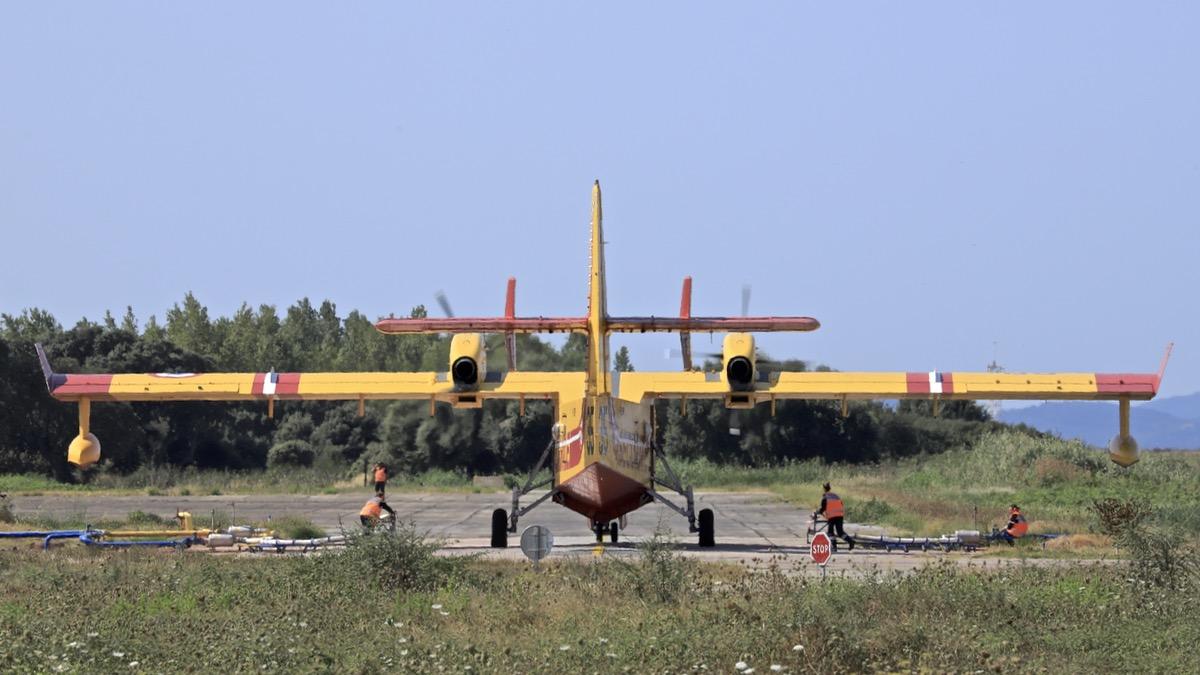 En JAUNE, ROUGE & BLANC, les aéronefs de la Sécurité civile en Corse en 2018. - Page 2 Img_0737