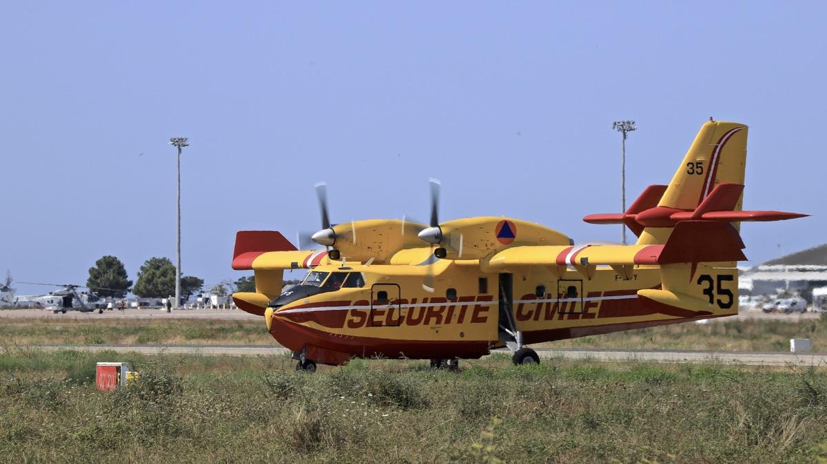 En JAUNE, ROUGE & BLANC, les aéronefs de la Sécurité civile en Corse en 2018. - Page 2 Img_0738