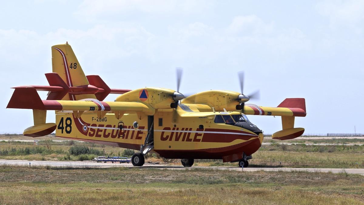 En JAUNE, ROUGE & BLANC, les aéronefs de la Sécurité civile en Corse en 2018. - Page 3 Img_1051