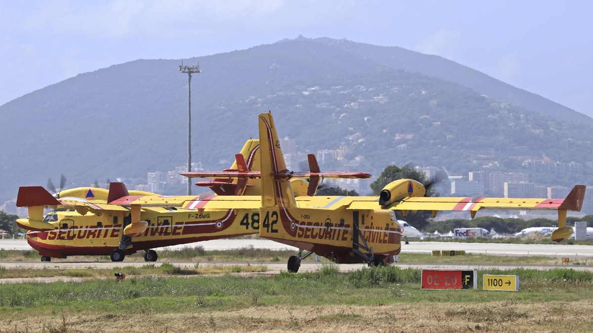 En JAUNE, ROUGE & BLANC, les aéronefs de la Sécurité civile en Corse en 2018. - Page 4 Img_1055
