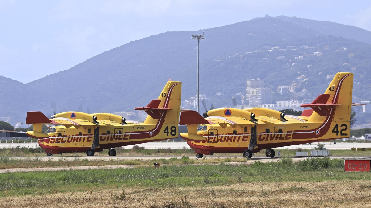 En JAUNE, ROUGE & BLANC, les aéronefs de la Sécurité civile en Corse en 2018. - Page 4 Img_1056