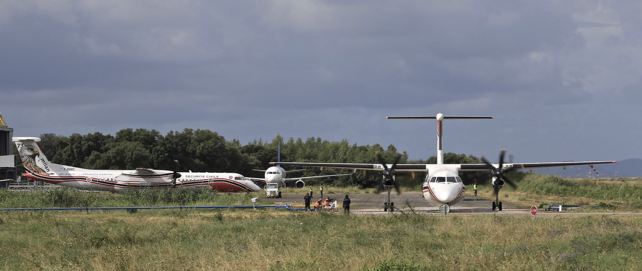 En JAUNE, ROUGE & BLANC, les aéronefs de la Sécurité civile en Corse en 2018. Img_7222