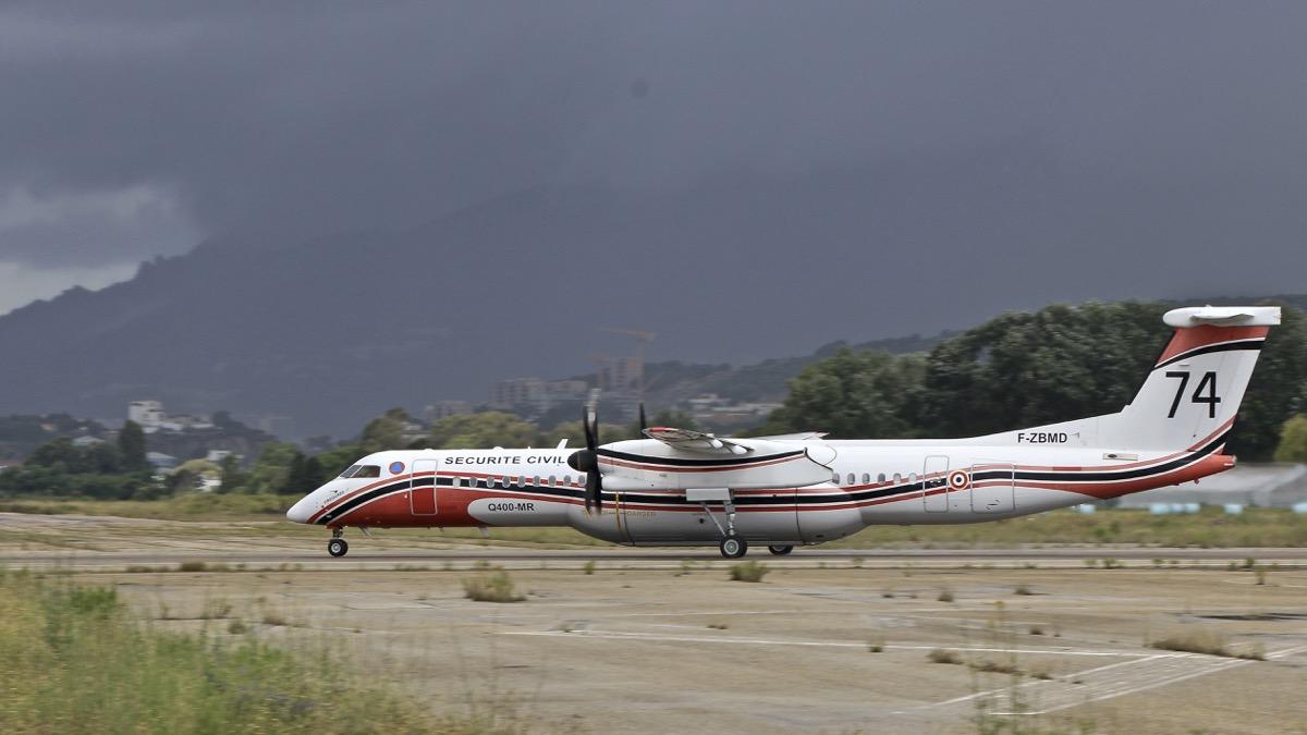 En JAUNE, ROUGE & BLANC, les aéronefs de la Sécurité civile en Corse en 2018. Img_7225
