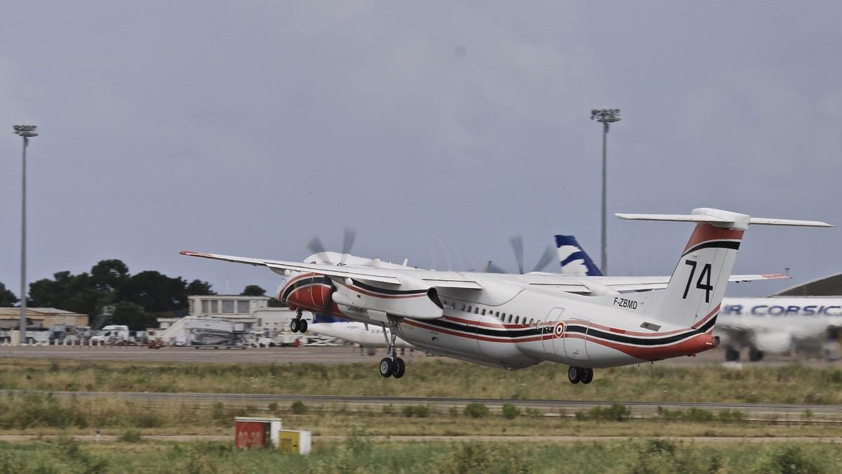 En JAUNE, ROUGE & BLANC, les aéronefs de la Sécurité civile en Corse en 2018. Img_7226