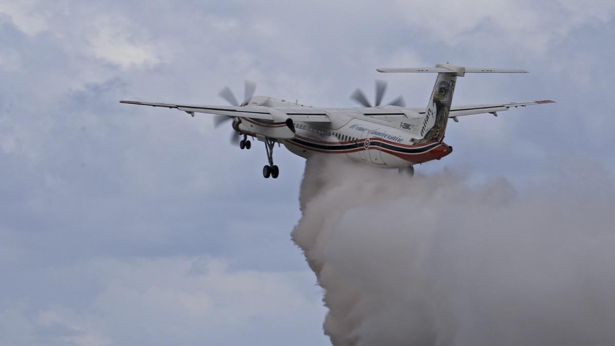 En JAUNE, ROUGE & BLANC, les aéronefs de la Sécurité civile en Corse en 2018. Img_7318