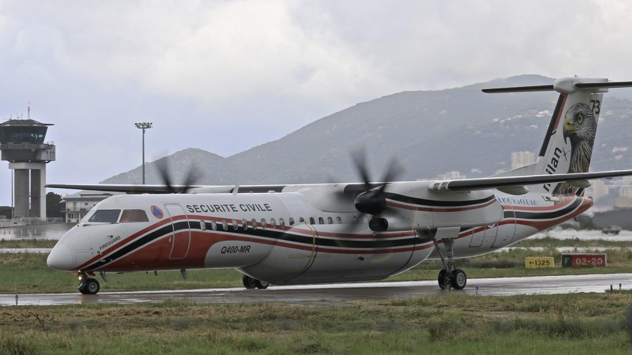 En JAUNE, ROUGE & BLANC, les aéronefs de la Sécurité civile en Corse en 2018. - Page 2 Img_7416