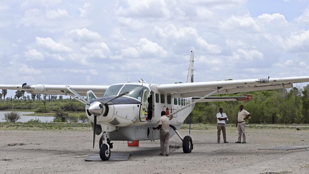 Avions en TANZANIE. Img_9735