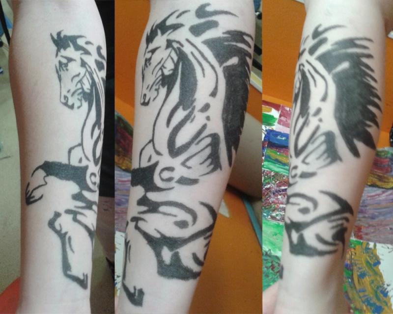 Lol'y's Tattoo's World Sans_t10
