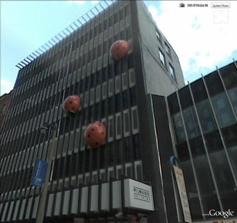 Coccinelles géantes à Milwaukee, Wisconsin - USA Coc110
