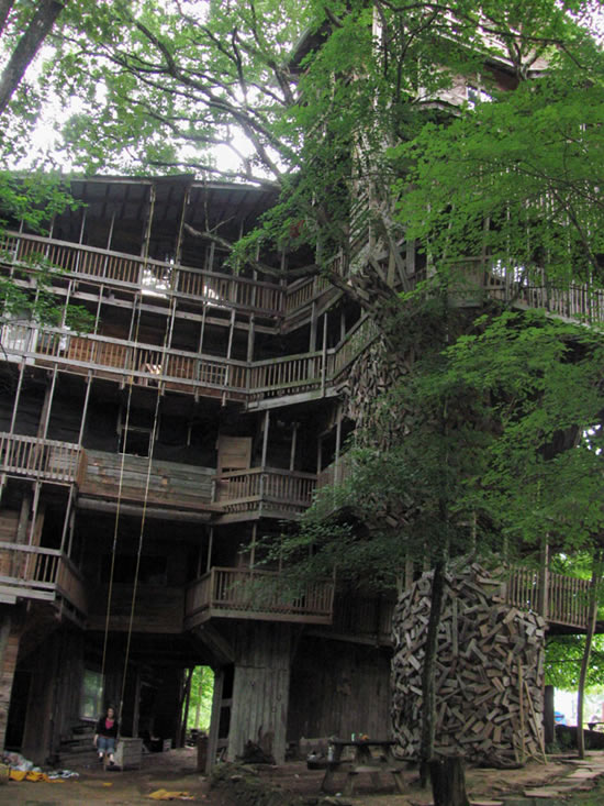 Minister's tree house Crossville Tennessee USA Minis110