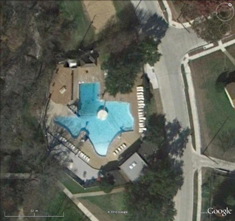 Les piscines du Monde découvertes avec Google Earth - Page 10 Pisci10