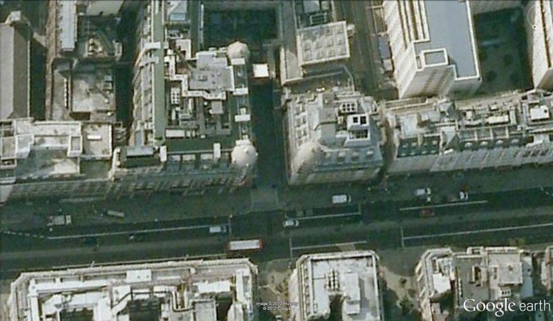 Une rue spéciale pour le Savoy Court, Londres - Angleterre Savoy210