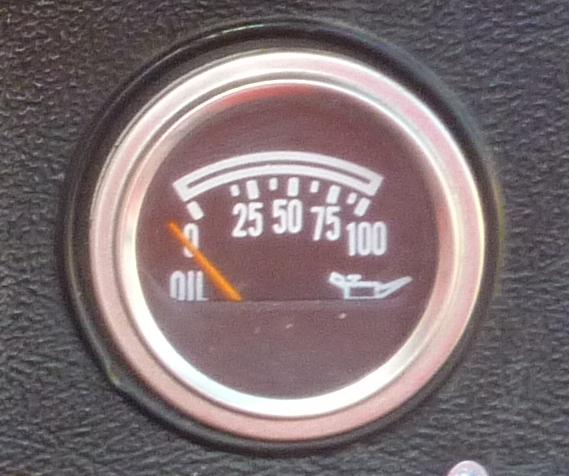 Quel sonde de pression d'huile pour CJ7 diesel ? P1010910