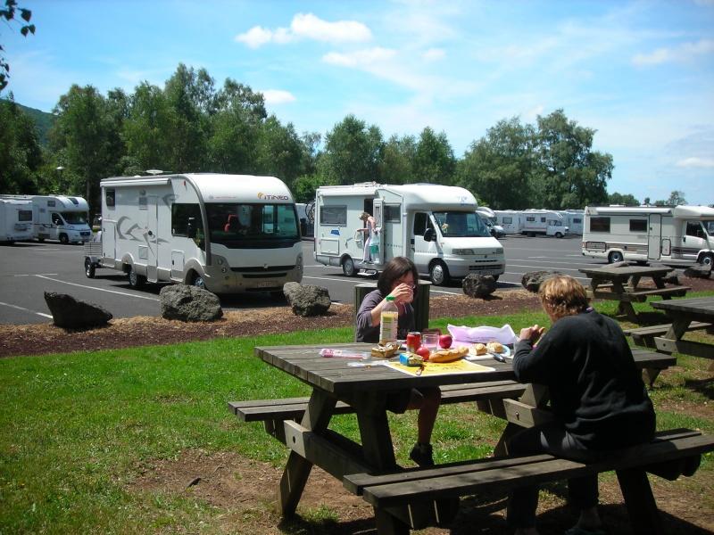 Aires de services au Parc des Volcans d'Auvergne Dscn6912