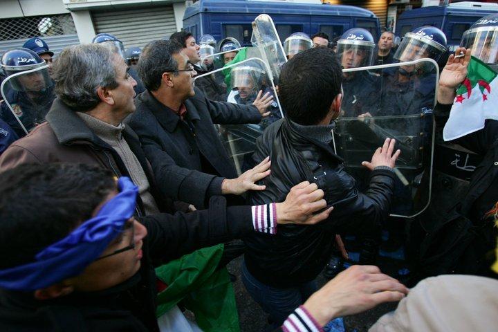 Photos de la marche réprimée du 22 janvier 2011  113
