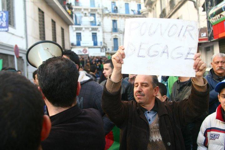 Photos de la marche réprimée du 22 janvier 2011  16370310