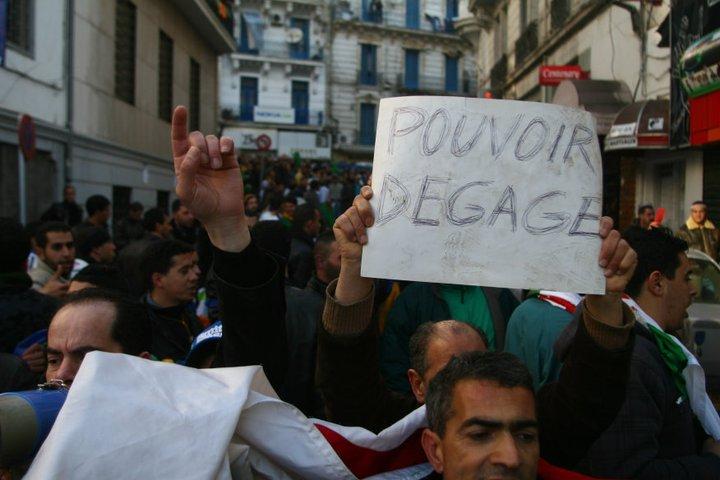 Photos de la marche réprimée du 22 janvier 2011  16807810