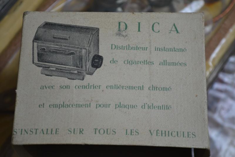 Distributeur de cigarettes allumées DICA / DICA Lighten up cigarettes distributor P_00410