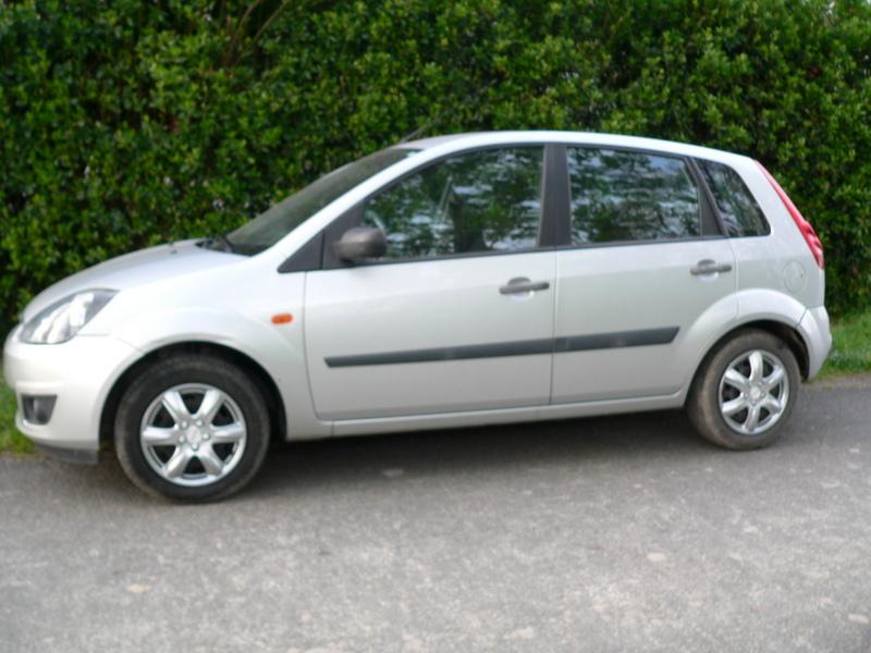 Pour 2ème voiture Ford Fiesta Tdci 1,4 L 2006 5 portes P1240110