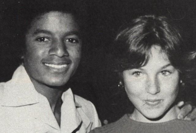 Tutte le donne di Michael Jackson - Pagina 3 293_on10