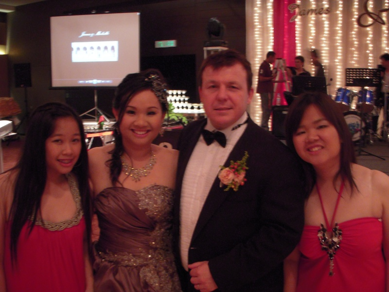 SISTER WEDDING GHOTEL MALAYSIA WEDDING NITE RECEPTION Dscn0414