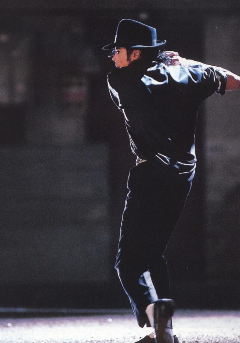 Photos Making of des clips de MJ ! - Page 2 026gqn10