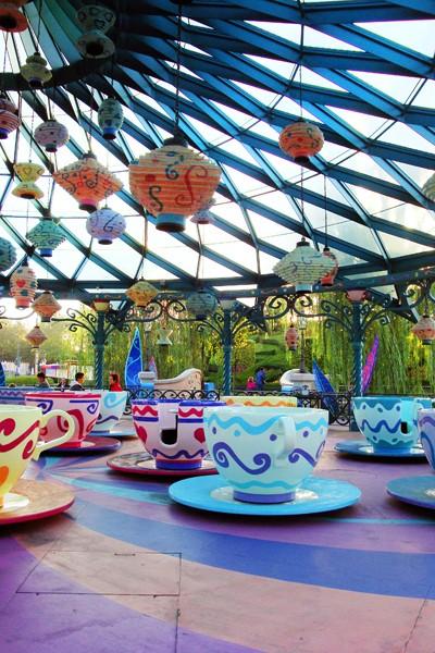 MAD HATTER'S TEA CUPS - Fantasyland 14-10-10
