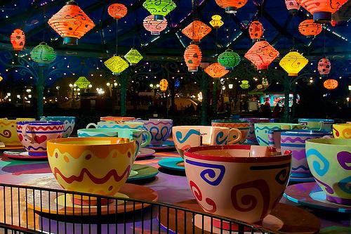 MAD HATTER'S TEA CUPS - Fantasyland 33554610