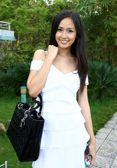 Hoa hậu Mai Phương Thúy duyên dáng ở Tuần Châu 1112