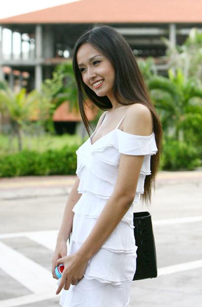 Hoa hậu Mai Phương Thúy duyên dáng ở Tuần Châu 5e8910