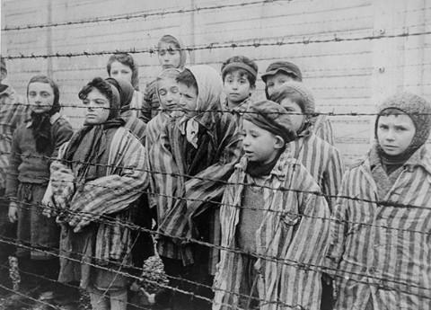 Un fil de discussion en mémoire des millions de victimes des nazis - Page 2 Ushmm610