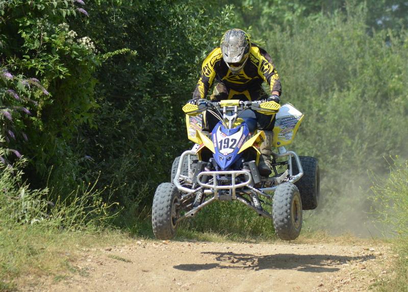 B5 vs moto Quad10