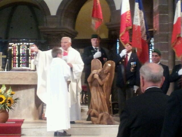 Bonne fête de Saint-Michel à vous tous Paras Légion et de tous les horizons  Saintm41