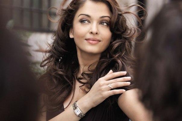 Aishwarya Rai Bachchan - Page 9 _vc8cl10