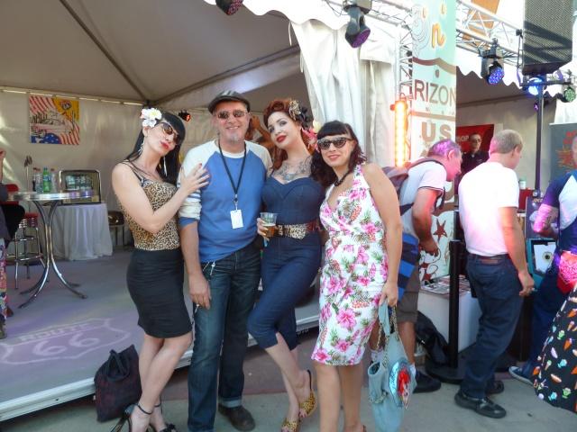 Appel !!! Festival Rock'N'Roll à Disney Village 2012 - Page 2 P1030913