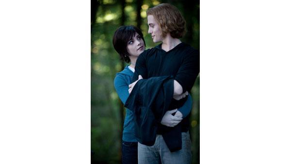 The Twilight Saga - Page 2 74856010
