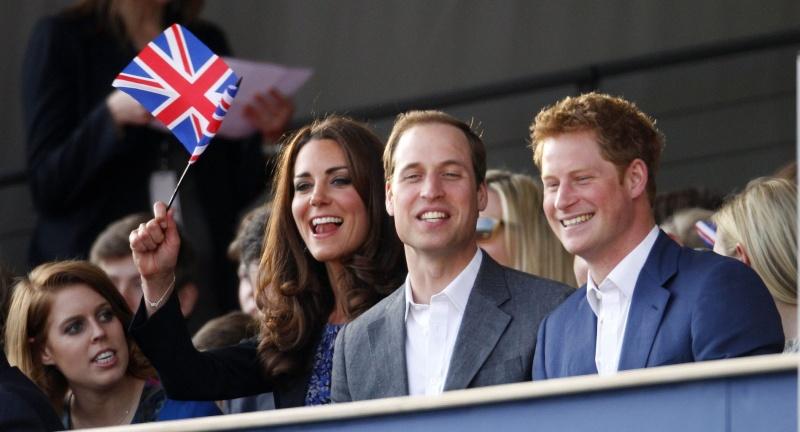 British Royal Family - Page 15 Diamon11