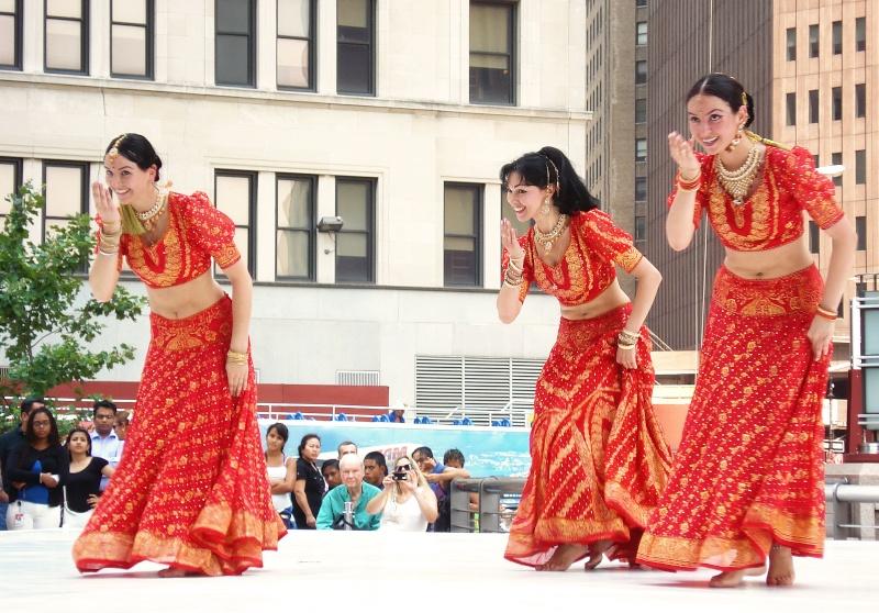 MAYURI DANCE GROUP Festiv10