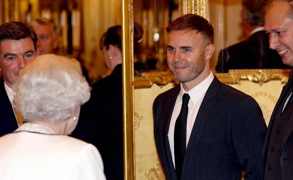 Gary à Buckingham Palace 16.10.12 16_10_13