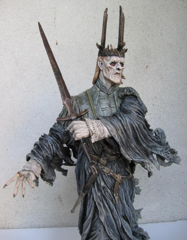 repaint statue weta sideshow bowen . Witch112