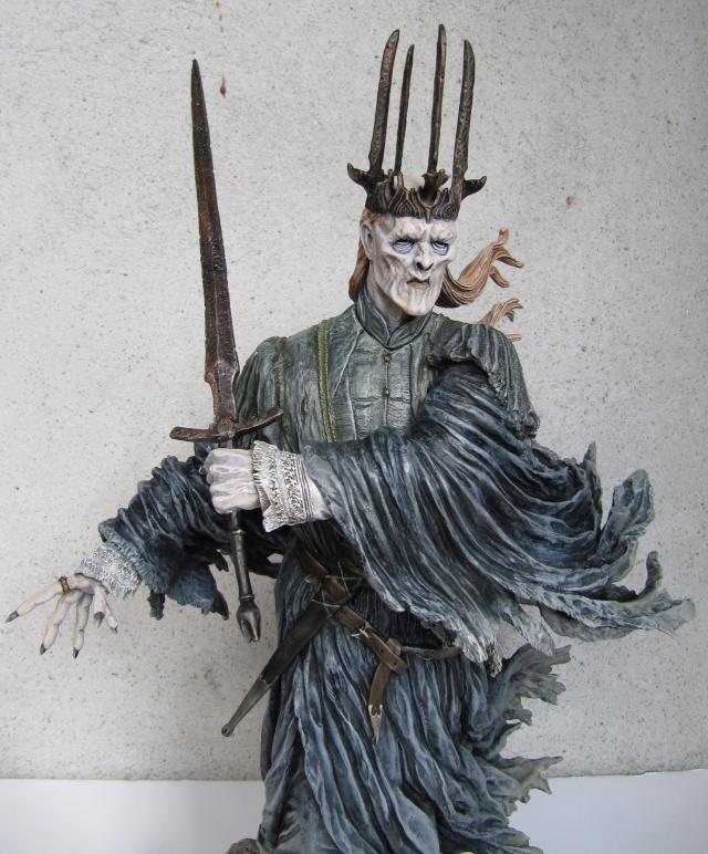 repaint statue weta sideshow bowen . Witch911